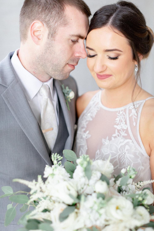 romantic-bride-and-groom-photos.jpg