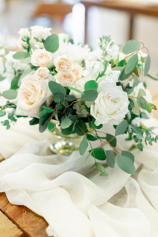 garden-roses-in-wedding-centerpiece.jpg