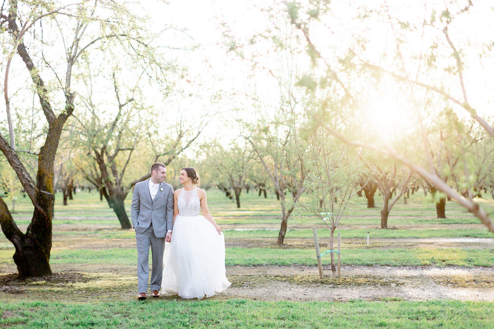 California-golen-hour-sunset-photos-destiantion-wedding.jpg