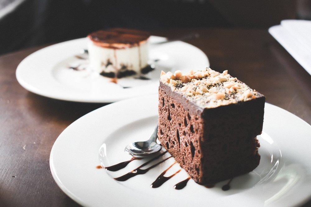blur-brownie-chocolate-954201.jpg