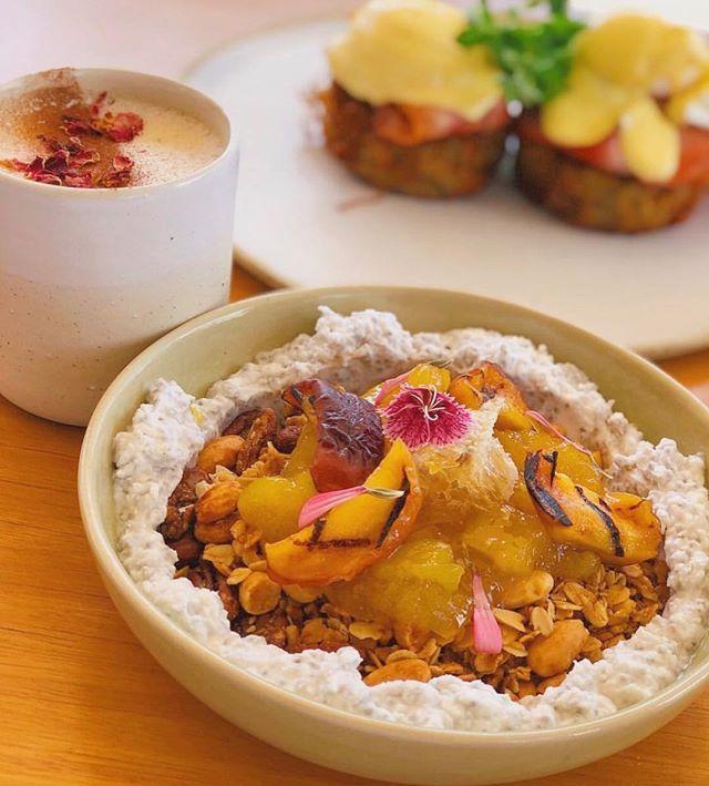 A pretty breakfast selection 🌸🌸 @smashytaylor