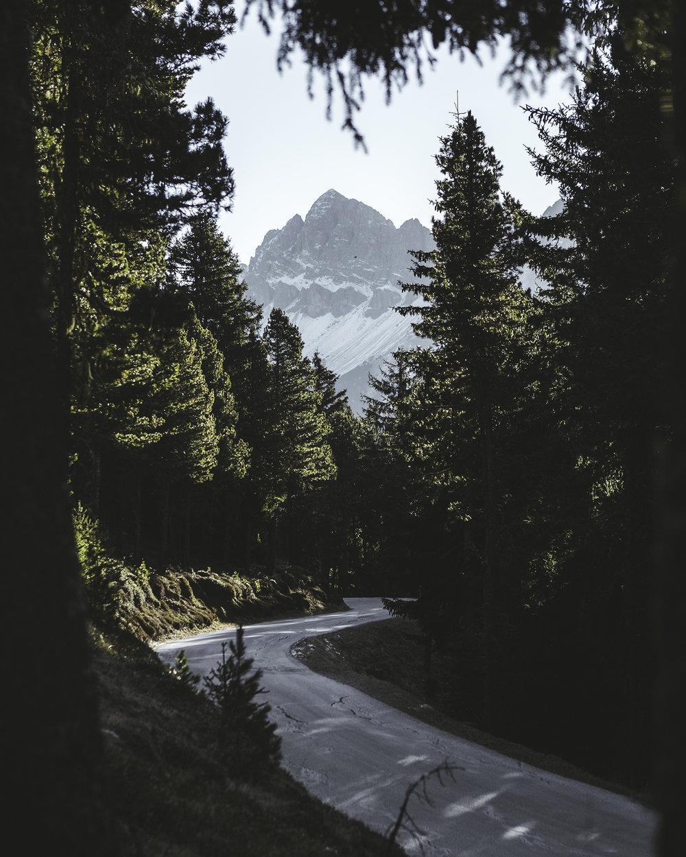 Dolomites2.jpg