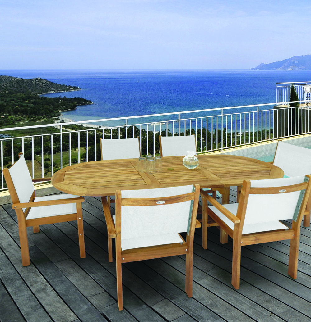 Pg 89 Captiva Chairs with Family 72_96 Oval Expansion.jpg