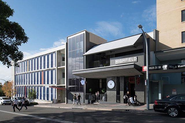 New photos of @highfieldcaringbah by Richard Glover — #hospitalitydesign#bardesign#sydneybars#interiordesign#australiandesign#interiorarchitecture#sydneyinteriors#sydneyarchitecture#sydneyarchitects#sydneyvenues#cronulla#caringbah#sydneypubs#australianpub