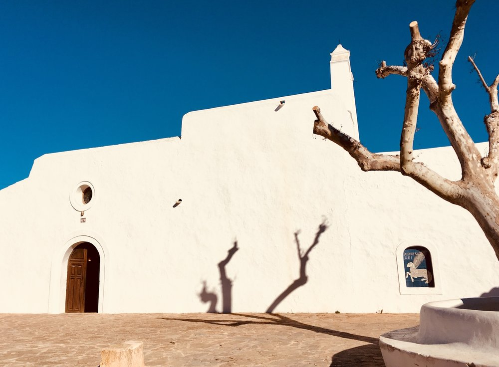 Church of the tiny village Santa Agnes | Die Kirche vom kleinen Dörfchen Santa Agnes