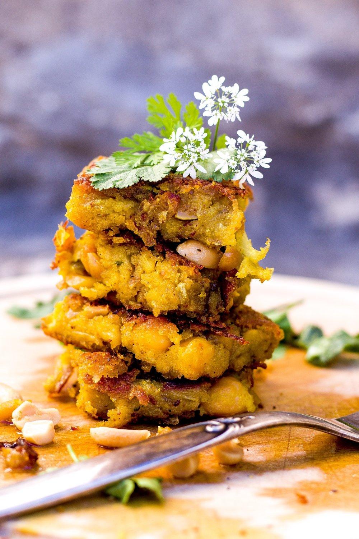Köstliche indische Umpa-Schnitten. Vegan und voller Aromen. #indisch #upma #kichererbsen #grieß