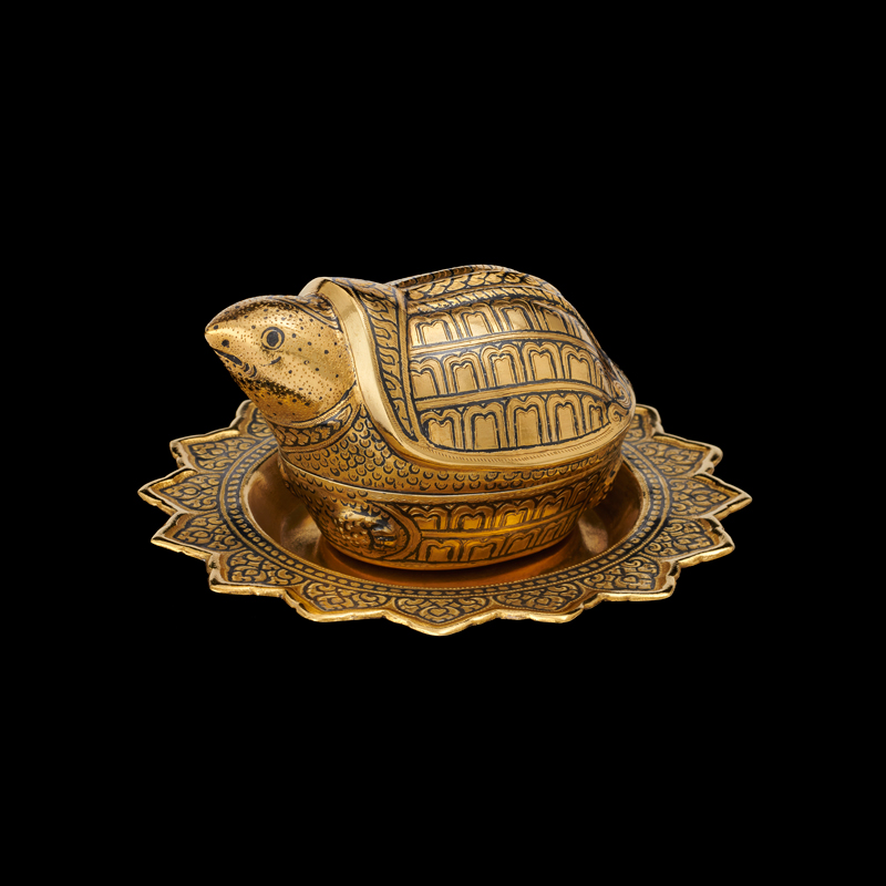 Gold Niello Turtle and Tray Gift from King Bhumibol Adulyadej to First Grandson Patrick Lyndon Nugent, 1967 6.35 x 6.53 cm Courtesy of the Lyndon B. Johnson Presidential Library and Museum; 1967.38.4 A-C