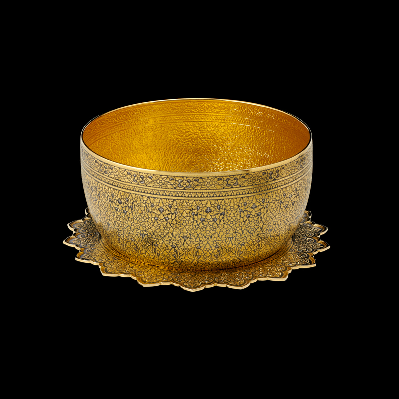 Gold Niello Bowl and Tray Gift from Queen Sirikit to President George H.W. Bush and First Lady Barbara Bush, 1991 18 x 11.5 cm Courtesy of the George Bush Presidential Library and Museum; 91.70108.6