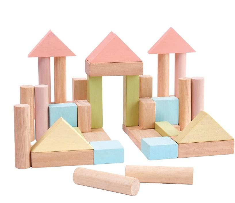 - Secteur : EnfantAnnée de création : 1981Son engagement Go for Good : EnvironnementalSon critère : Le bois utilisé pour les produits Go For Good de des jouets de la marque Plan Toys est certifié FSC ou PEFC. Ces labels garantissent un approvisionnement en bois issu de forêts gérées durablement.A découvrir : Les jouets de construction en bois