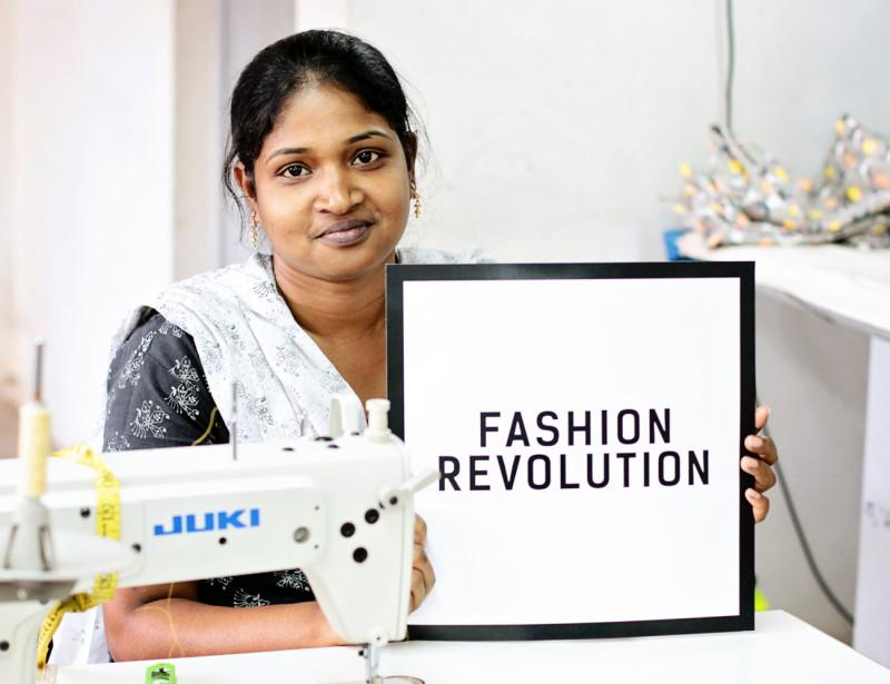 Fashion Revolution est un mouvement mondial à but non lucratif qui promeut plus de transparence dans la supply chain de l'industrie de la mode