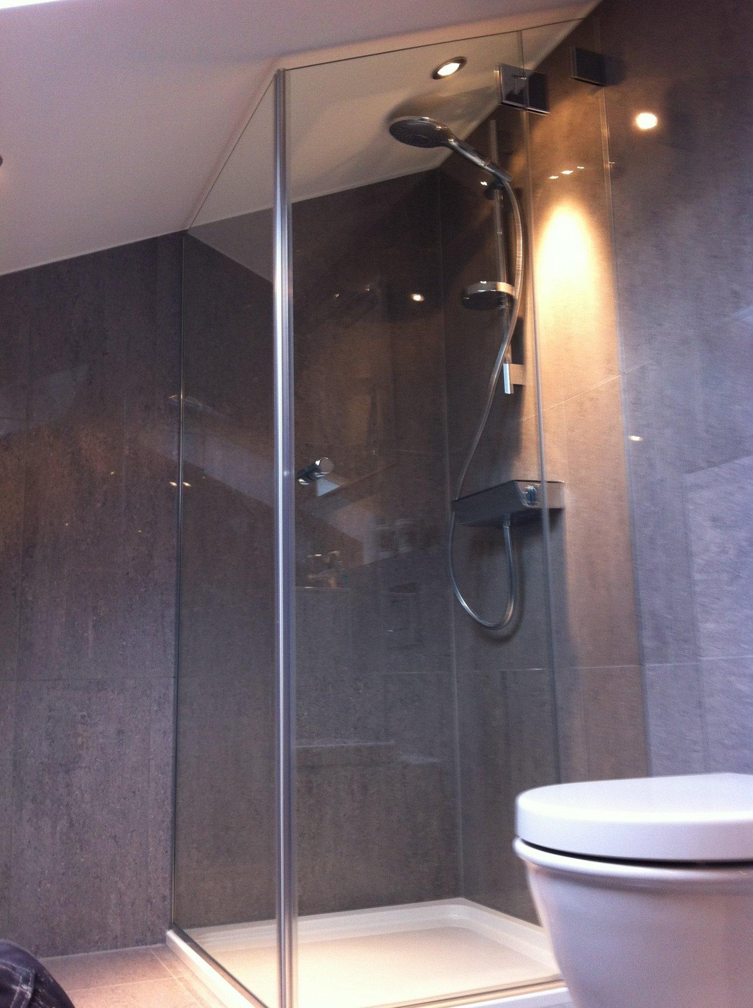 Shower Screens & Enclosures