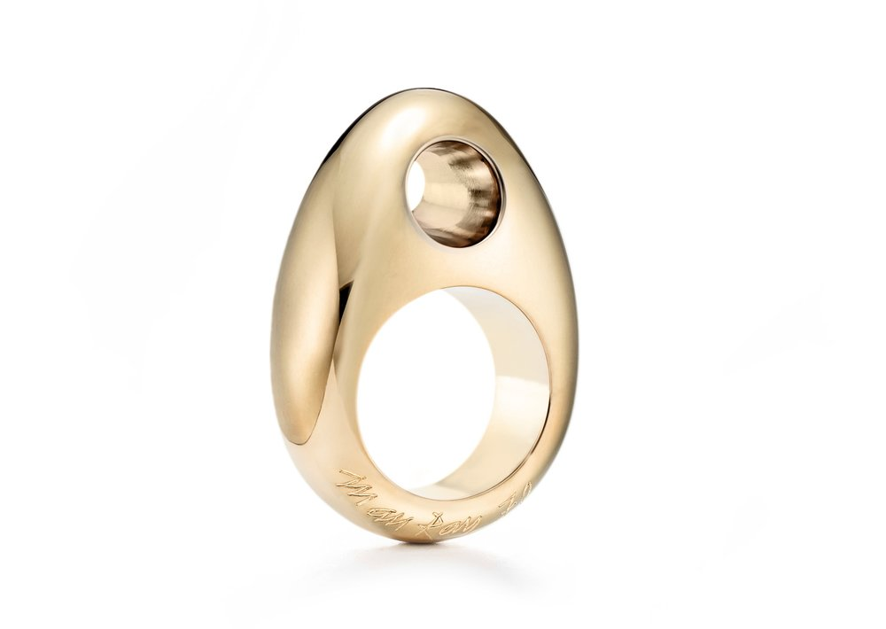 Man Ray 18kt Le Trou ring in Fairmined Ecological gold