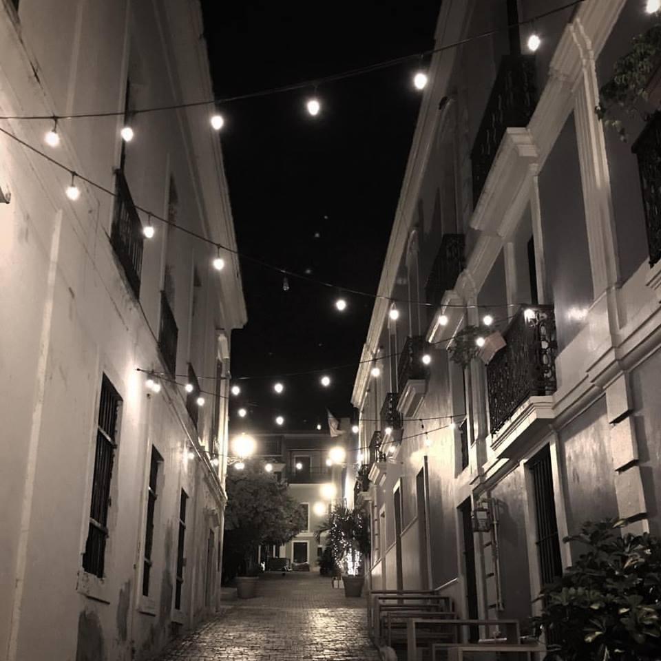 An Old San Juan street at Christmas.