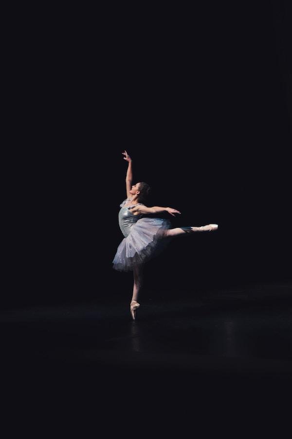 dancer-black.jpg