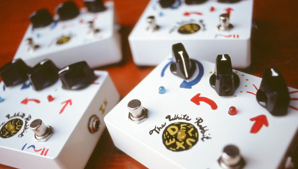 White Rabbit Deluxe: Dual Mode Line Amp/Boost Pedal