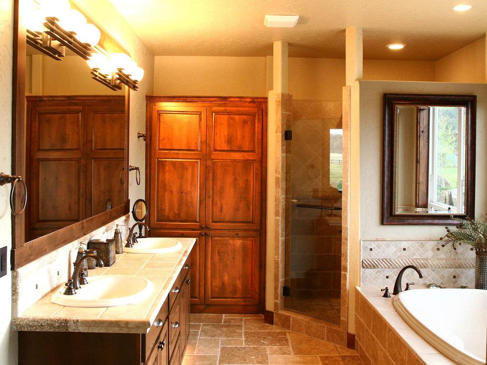 Central-Oregon-Master-Bathroom-Remodel-Builder.JPG
