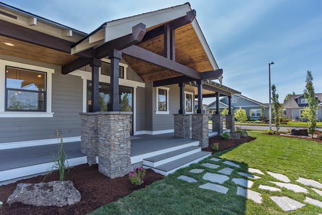 Front-Porch-Indoor-Outdoor-Living-Central-Oregon.jpg