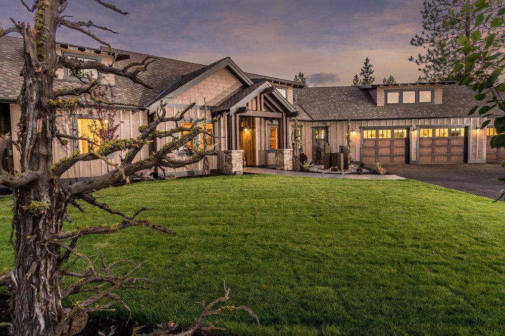 Custom-Home-Remodels-Central-Oregon-Craftsman-Style-Home.jpg