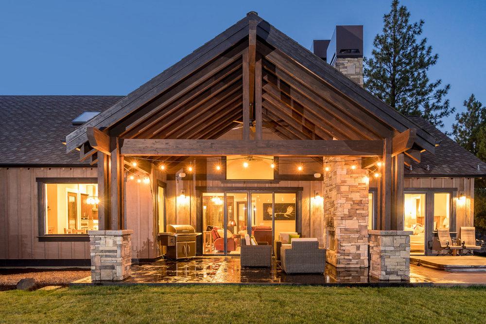 Indoor-Outdoor-Living-Bend-Oregon-Custom-Home.jpg