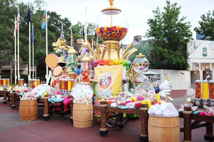 Disney's catering department set up an expansive candy display and station in Liberty Square that included full bags of candy as well as a variety of sweets for guests to create their own bags.  Photo: Charity de Meer for BizBash