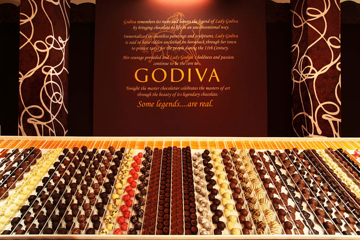 Godiva's Lounge at the 'In Style' and Warner Brothers Golden Globes Party Guests indulged in chocolates and baked goods while checking out the chocolate artwork inspired by artists such as Matisse, Van Gogh, and Jackson Pollock.  Photo: Nadine Froger Photography