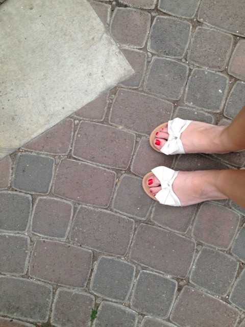 With the warm weather I can finally start wearing my cute sandals!