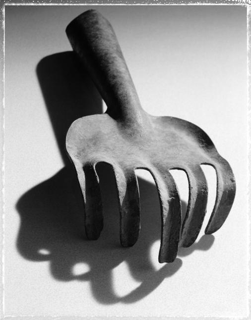 18.hand_rake.jpg