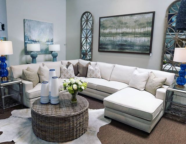 #mmch #mmcollectedhome #martymasonollectedhome ##Interiordesign #Interiordesignservices #interiordesignatlanta #interiordesigntrends #wickercoffeetable #linensectional