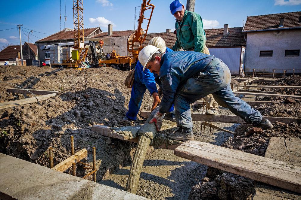 Concrete-pouring-495267328_3869x2579.jpeg