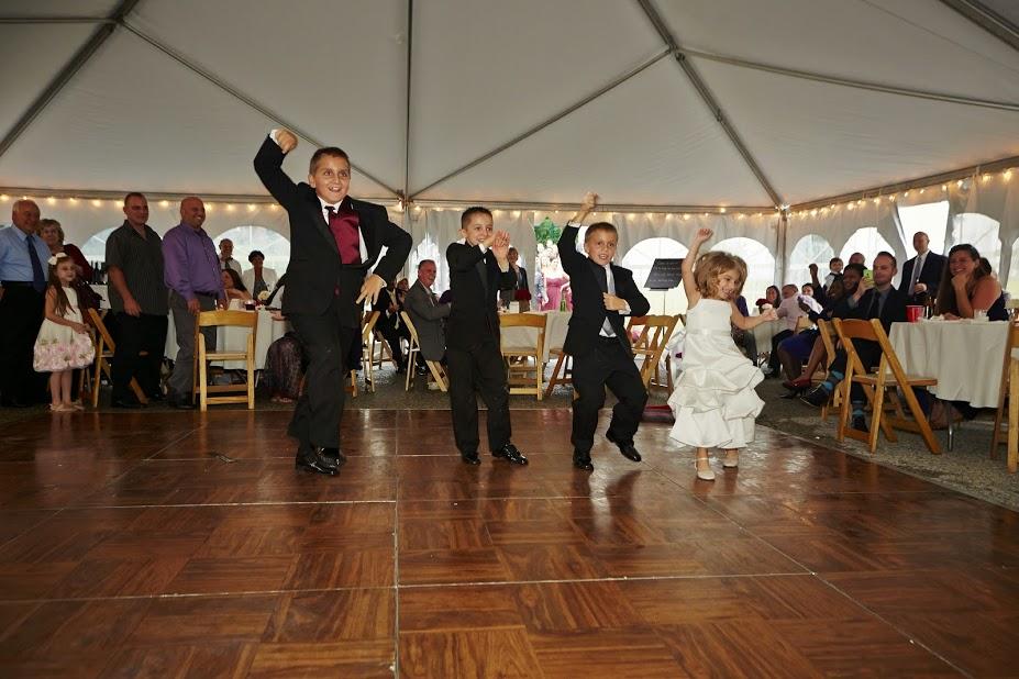 Sergio Wedding Kids dancing.jpg