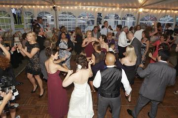 Sergio Wedding packed dance  floor.jpg