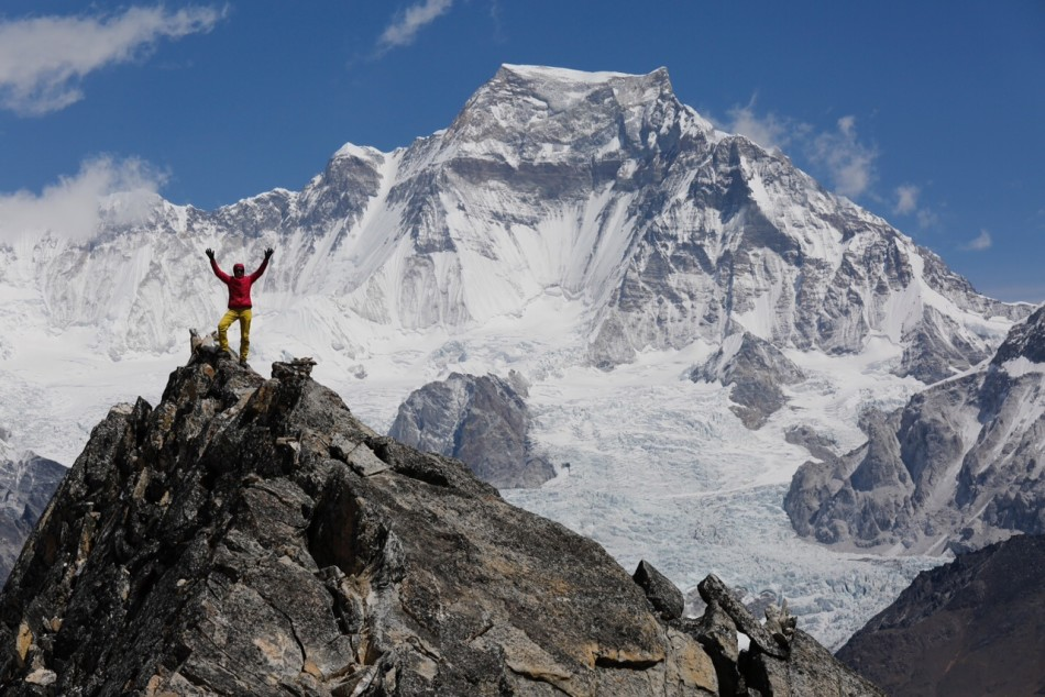Nancy in front of Gyachung Khang, a 7,950 m peak between Everest and Cho Oyu. Photo by Ralf Dujmovits.Nancy in front of Gyachung Khang, a 7,950 m peak between Everest and Cho Oyu. Photo by Ralf Dujmovits.