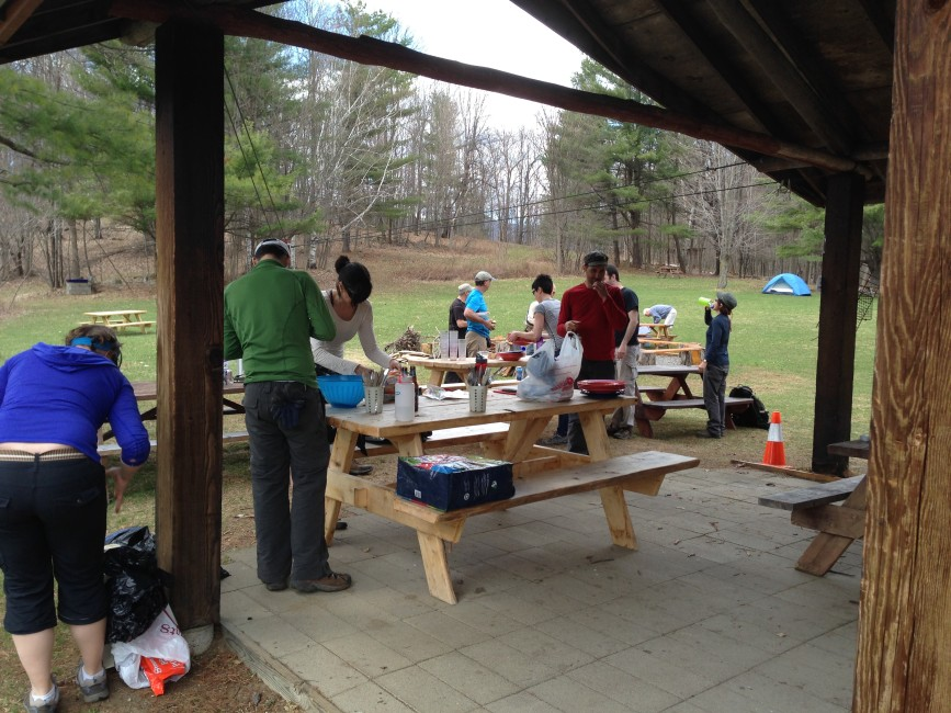 Break time for the volunteers – Photo by Luc Massicotte.