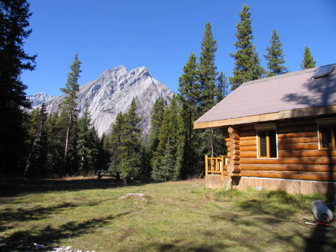Elk Lakes Cabin. Close to Calgary, mountain bike to the hut.