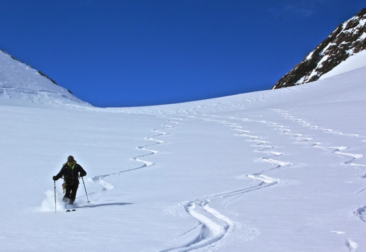 We had blue skies, no wind, good skiing (sometimes) and no crowds! Who knew? Ralf enjoying good turns.