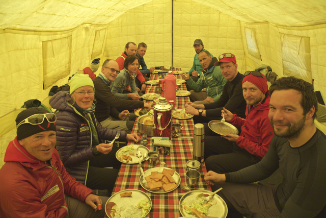 The AMICAL alpin group in our dining tent.