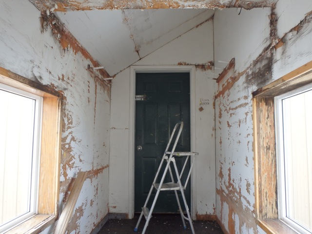 Bow Hut breezeway getting ready for some paint. Photo by Gavin Boutet.