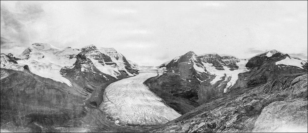 Athabasca Glacier circa 1918.