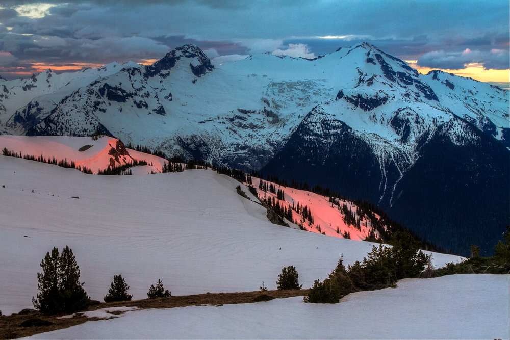 Dreamy alpenglow on the Spearhead Traverse. Photo by Stephen McVeigh