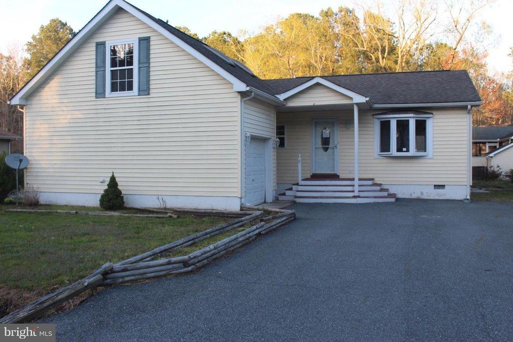 13 Bridgewater Road - Ocean Pines, MD   $194,900 | 3 Beds | 2.5 Baths | 2064sqft | .19 Acres