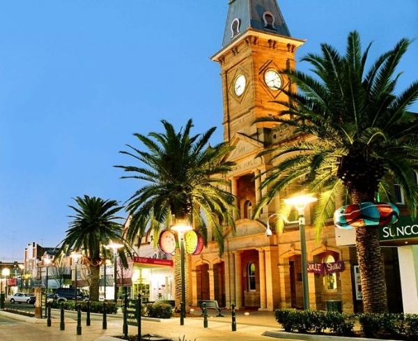 townhall-1024x683.jpg