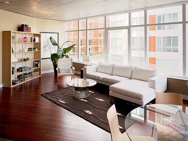 302 Living Room.JPG