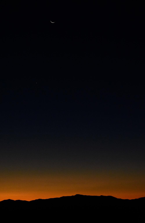 Crescent Moon over Mount Mansfield_2