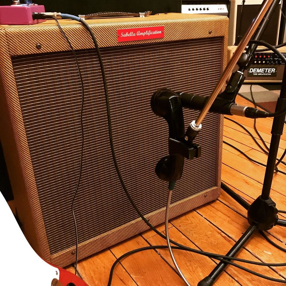 guitar-cab-trash-mic.jpg