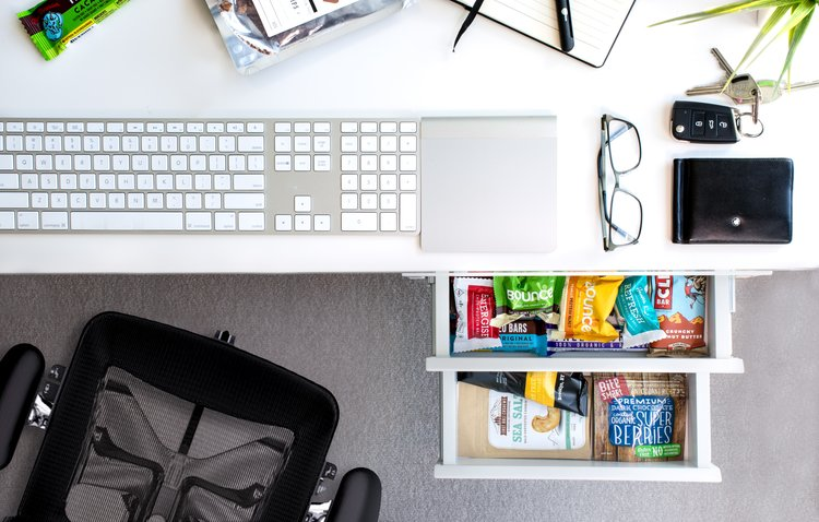 5+HEALTHY+OFFICE+SNACK+IDEAS.jpg