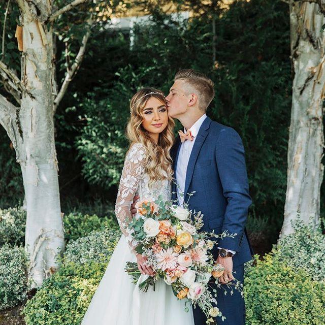 How beautiful this couple is 💏  #pdxflorist #weddingflowers #bride #bridalhair #bridalbouquet #weddingideas #haleypaige