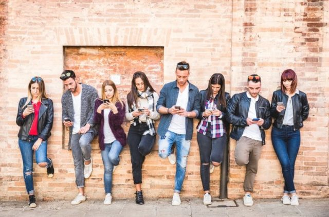 6-Ways-to-Connect-Your-Startup-With-'Micro-Influencers'-On-Instagram-Woman-Entrepreneur-Erna-Basson