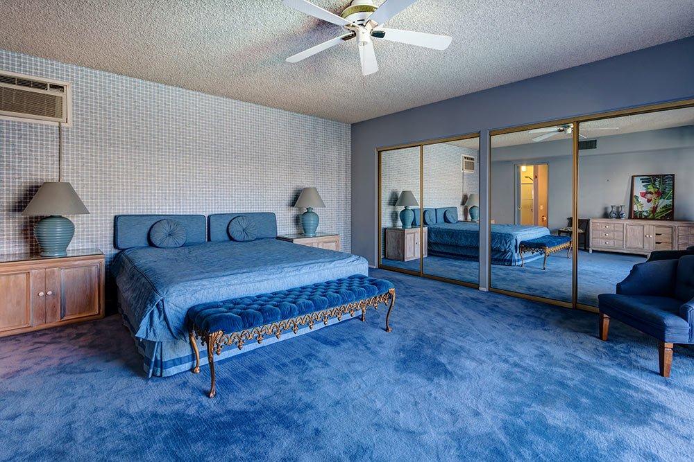 retro-1969-blue-bedroom.jpg