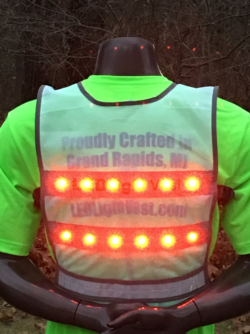 LEDLightVest-Flash-bk-safety-vest-experts----Grand Rapids-MI.JPG