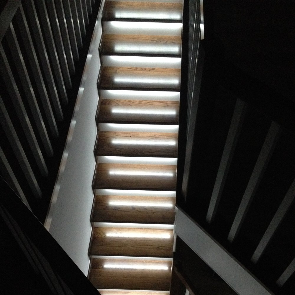 stair-lights-linear-staircase-down.JPG